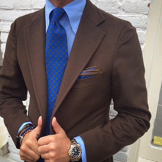 галстук к голубой рубашке